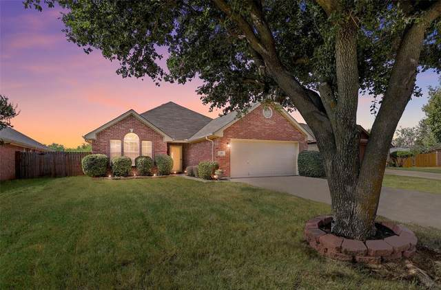 309 Palm Street, Crowley, TX 76036 (MLS #14674717) :: Real Estate By Design