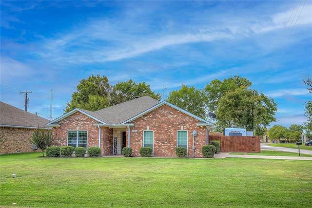 229 W High Street, Wills Point, TX 75169 (#14674845) :: Homes By Lainie Real Estate Group