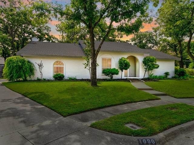 1696 Dickerson Drive, Pantego, TX 76013 (MLS #14675401) :: Trinity Premier Properties