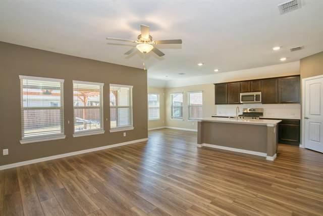 702 Overleaf Way, Arlington, TX 76002 (MLS #14675588) :: Craig Properties Group