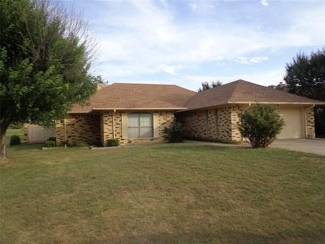 139 Runaway Bay Drive, Runaway Bay, TX 76426 (MLS #14675607) :: VIVO Realty