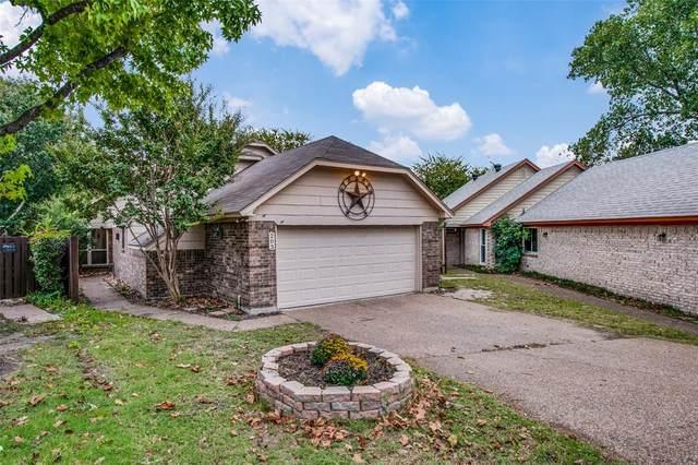 203 Fall Cedar Drive, Fort Worth, TX 76108 (MLS #14675784) :: The Russell-Rose Team