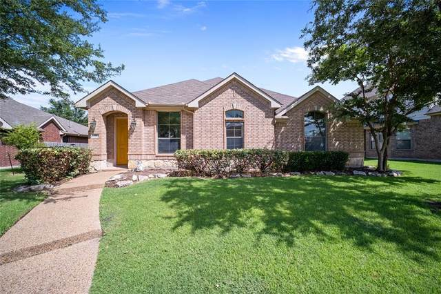 814 Meadow Flower Lane, Garland, TX 75043 (MLS #14675987) :: RE/MAX Landmark