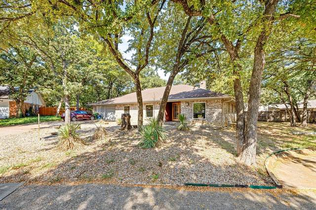 709 Queens Court, Bedford, TX 76021 (MLS #14676053) :: Real Estate By Design
