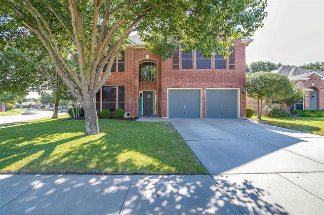 2601 Lakeside Drive, Burleson, TX 76028 (MLS #14676413) :: Real Estate By Design