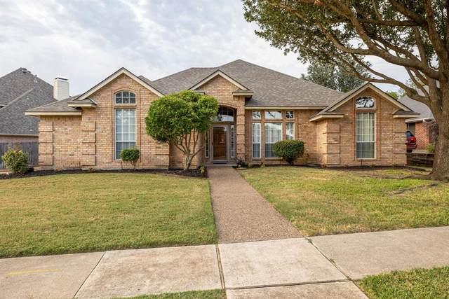 111 Heneretta Drive, Hurst, TX 76054 (MLS #14676630) :: The Chad Smith Team
