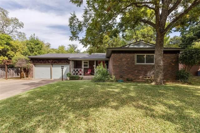 1301 Ravenwood Drive, Arlington, TX 76013 (MLS #14676647) :: The Chad Smith Team
