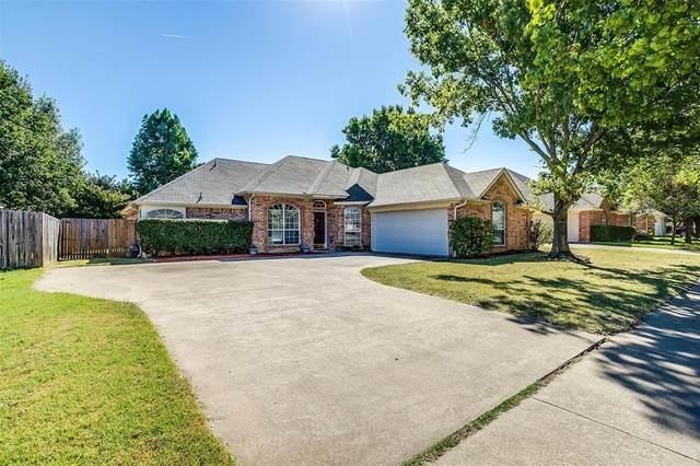 7324 Oak Ridge Drive, North Richland Hills, TX 76182 (MLS #14676691) :: Craig Properties Group