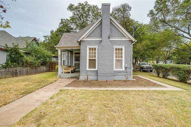 712 N Anglin Street, Cleburne, TX 76031 (MLS #14676766) :: Real Estate By Design