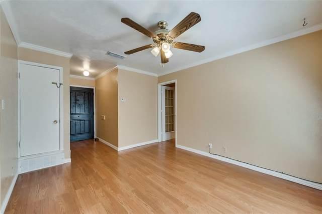 9812 Bluffcreek, Dallas, TX 75227 (MLS #14676797) :: Real Estate By Design