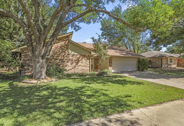 1208 Hillcrest Drive, Euless, TX 76039 (MLS #14676897) :: Front Real Estate Co.
