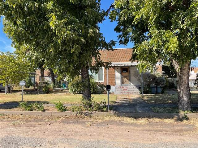 112 W Reiman Street, Seymour, TX 76380 (#14677342) :: Homes By Lainie Real Estate Group