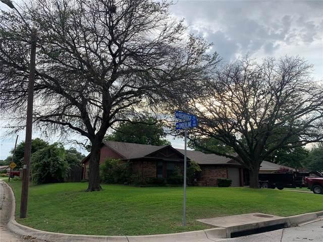 1828 High Ridge Road, Benbrook, TX 76126 (MLS #14677498) :: Trinity Premier Properties