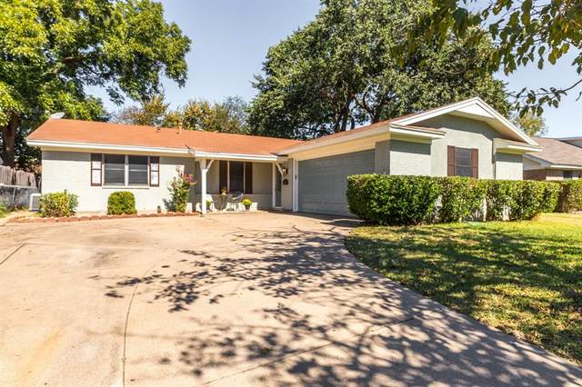 221 NE Murphy Road, Burleson, TX 76028 (MLS #14677523) :: The Hornburg Real Estate Group