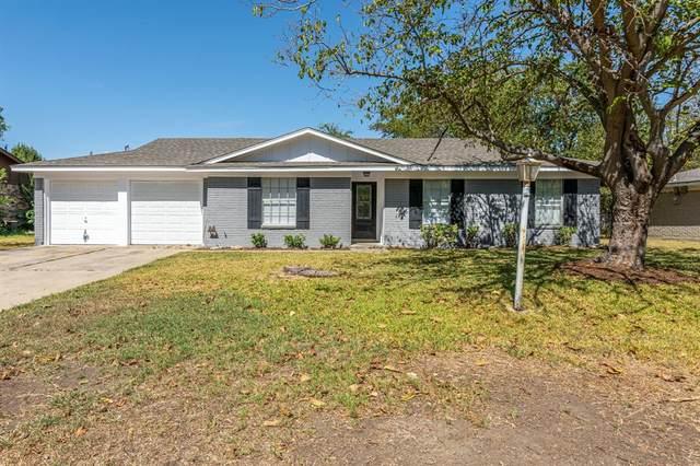 915 Keller Avenue, Benbrook, TX 76126 (MLS #14677561) :: The Hornburg Real Estate Group