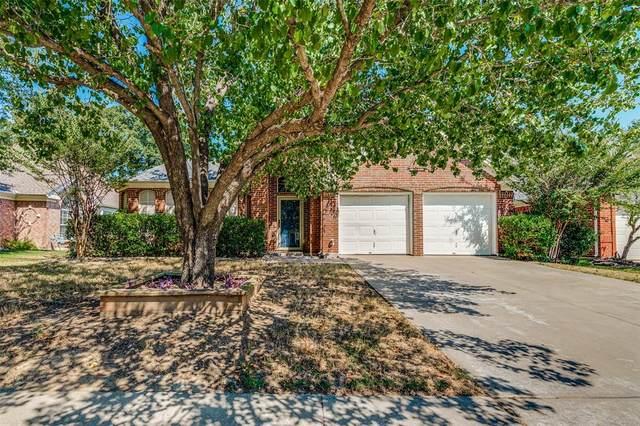 625 Oakbrook Drive, Burleson, TX 76028 (MLS #14677591) :: Craig Properties Group