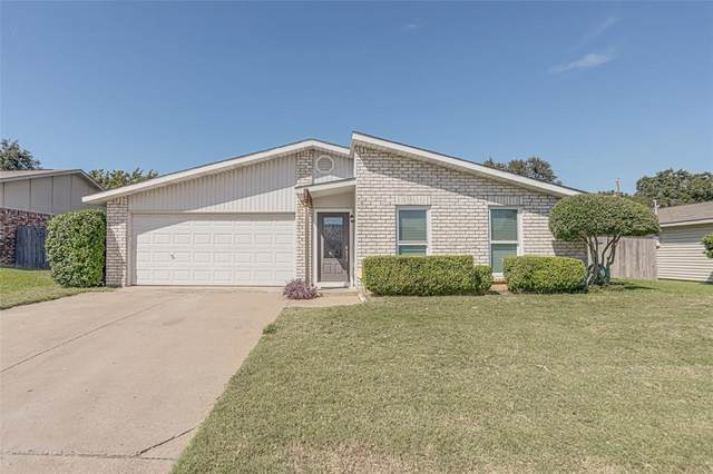 713 Spring Forest Drive, Bedford, TX 76021 (MLS #14677804) :: Front Real Estate Co.