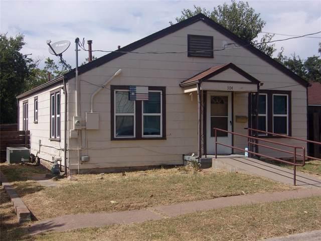 304 Hulme Street, Bowie, TX 76230 (MLS #14677970) :: Frankie Arthur Real Estate
