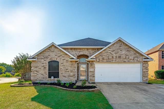 2701 Chatsworth Drive, Grapevine, TX 76051 (MLS #14678209) :: RE/MAX Pinnacle Group REALTORS
