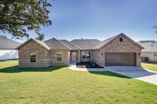 704 Bellaire Circle, Mineral Wells, TX 76067 (MLS #14678226) :: Craig Properties Group