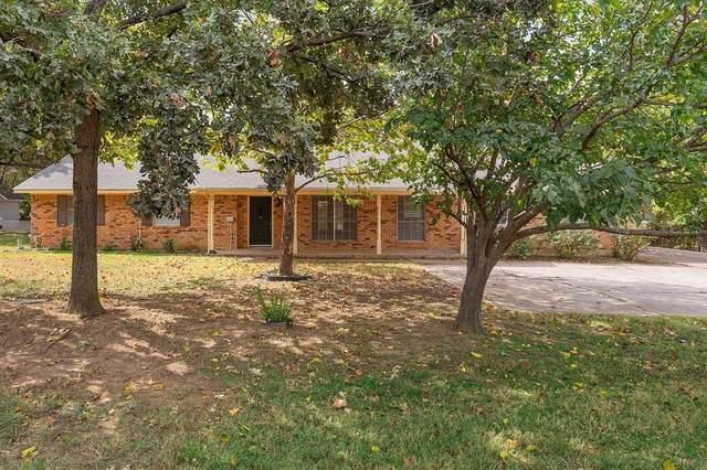 417 W Mccart Street, Krum, TX 76249 (MLS #14678869) :: Lisa Birdsong Group | Compass
