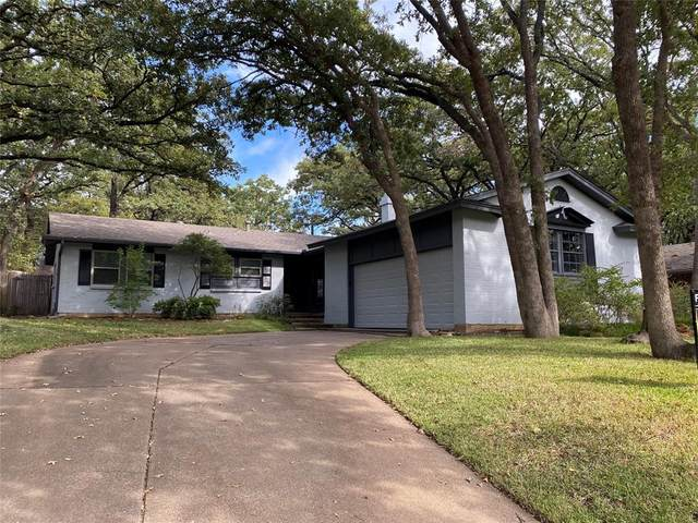 3807 Halifax Court, Arlington, TX 76013 (MLS #14678939) :: Real Estate By Design