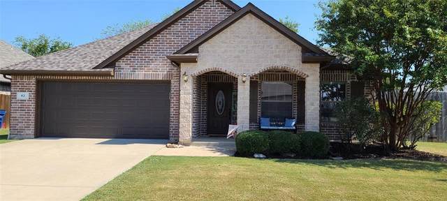42 N Highland Drive, Sanger, TX 76266 (MLS #14679143) :: The Star Team | Rogers Healy and Associates