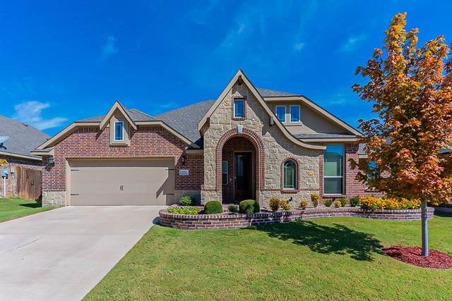 717 Paintbrush Court, Aledo, TX 76008 (#14679274) :: Homes By Lainie Real Estate Group