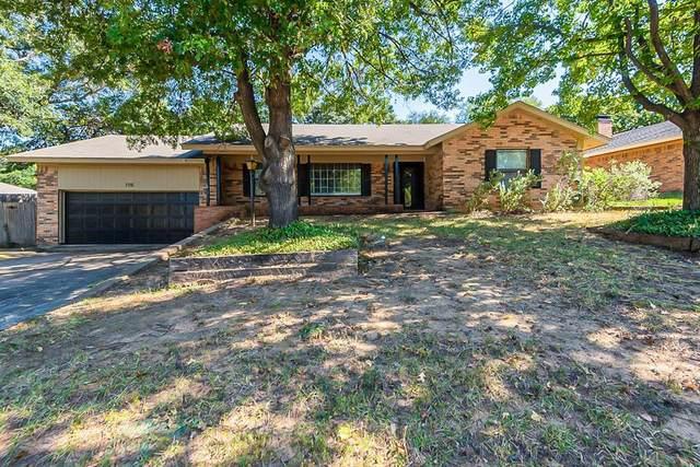 715 Vail Drive, Arlington, TX 76012 (MLS #14679376) :: Craig Properties Group