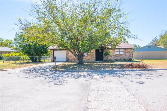 133 Bowie Circle, Brownwood, TX 76801 (#14679500) :: Homes By Lainie Real Estate Group