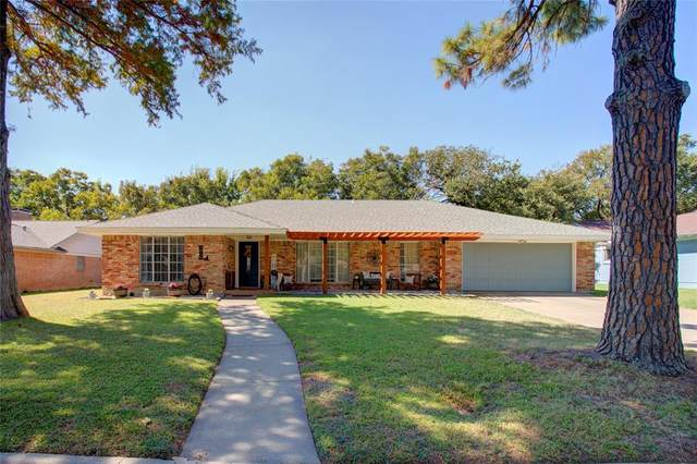 1808 Elmhurst Drive, Arlington, TX 76012 (MLS #14680872) :: Lisa Birdsong Group | Compass