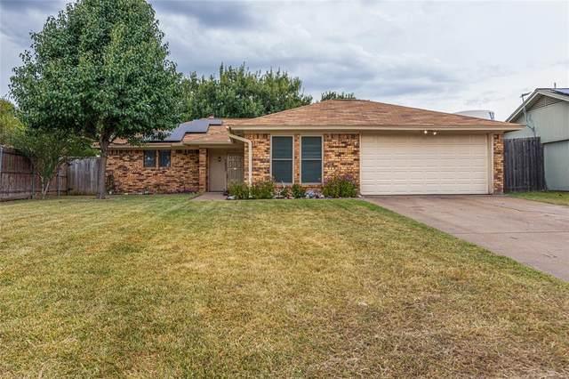 7833 Prairie Drive, Watauga, TX 76148 (MLS #14681940) :: Real Estate By Design