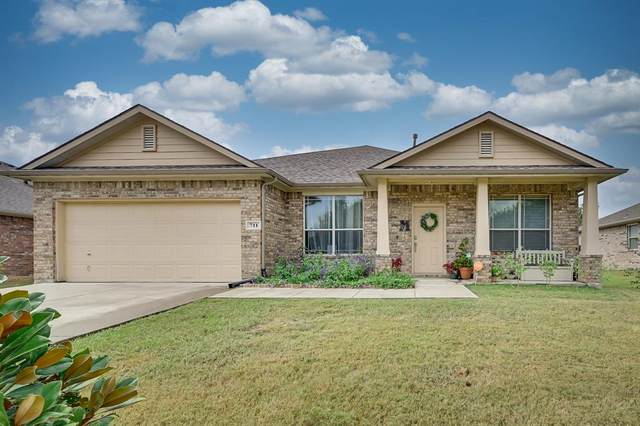 711 Bowie Lane, Mansfield, TX 76063 (MLS #14682252) :: The Chad Smith Team