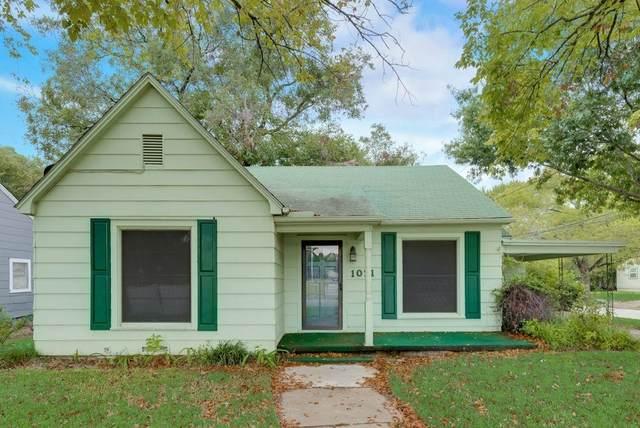 1031 Ritchey Street, Gainesville, TX 76240 (MLS #14683242) :: NewHomePrograms.com