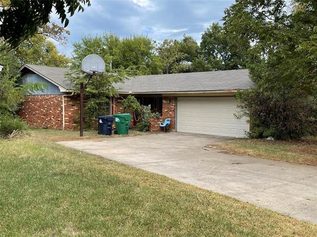 1208 Bryn Mawr Place, Denton, TX 76201 (MLS #14683619) :: Front Real Estate Co.