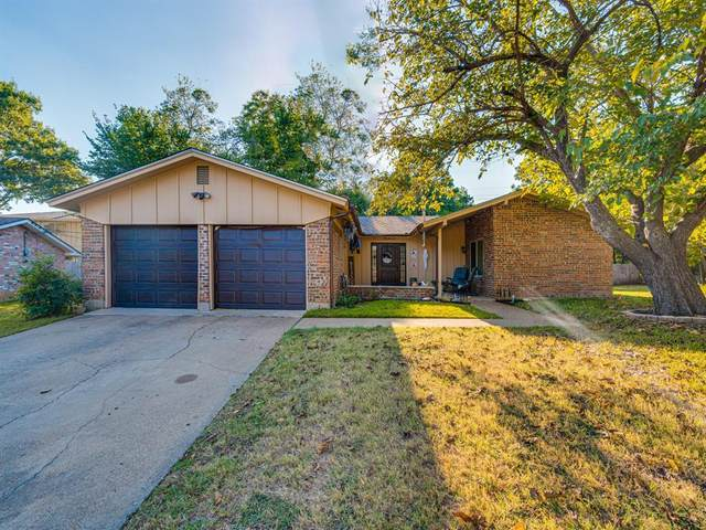 411 Lynda Court, Arlington, TX 76010 (MLS #14684448) :: Craig Properties Group