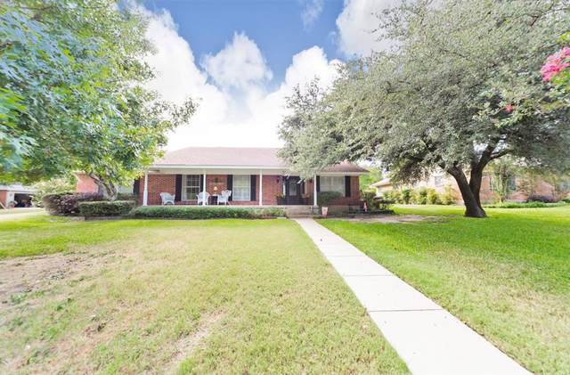 1202 S Stratton Street, Decatur, TX 76234 (MLS #14684982) :: The Star Team | Rogers Healy and Associates