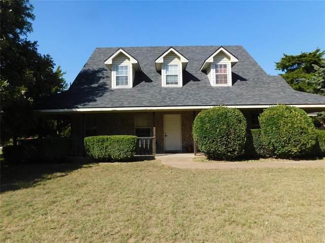 804 Park Road, Chico, TX 76431 (MLS #14685012) :: Robbins Real Estate Group