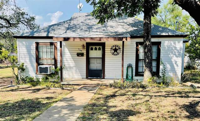 908 W 4th Street, Brady, TX 76825 (MLS #14685716) :: Frankie Arthur Real Estate