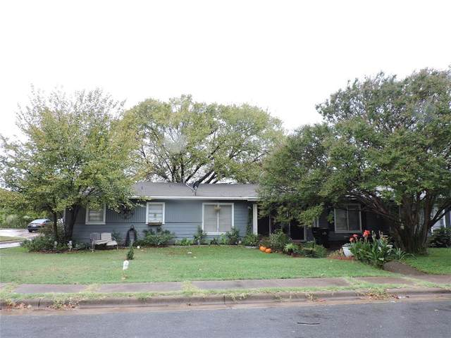 27 Macarthur Drive, Denison, TX 75020 (MLS #14686343) :: The Chad Smith Team