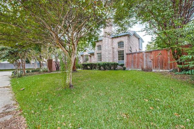702 Chippewa Lane, Grand Prairie, TX 75052 (MLS #14686487) :: Jones-Papadopoulos & Co