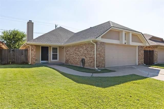 1157 Meadow Park Lane, Grand Prairie, TX 75052 (MLS #14686581) :: Trinity Premier Properties
