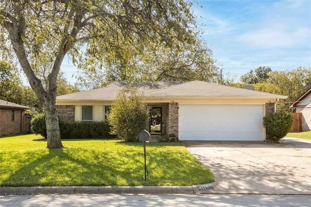 1124 Tobie Layne Street, Benbrook, TX 76126 (MLS #14686604) :: Real Estate By Design