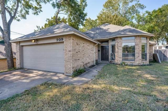 709 5th Street NE, Grand Prairie, TX 75050 (MLS #14686938) :: The Star Team | Rogers Healy and Associates