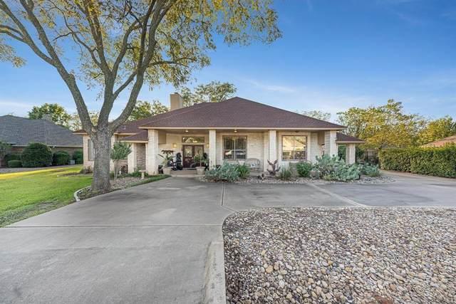 9404 Gimme Court, Granbury, TX 76049 (MLS #14687117) :: Trinity Premier Properties