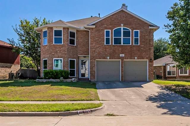 1253 Topeka Drive, Saginaw, TX 76131 (MLS #14687267) :: Epic Direct Realty