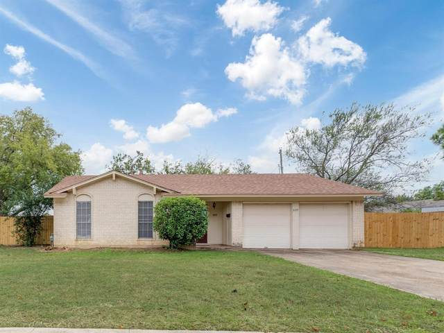 809 Fayette Drive, Euless, TX 76039 (MLS #14687372) :: Real Estate By Design