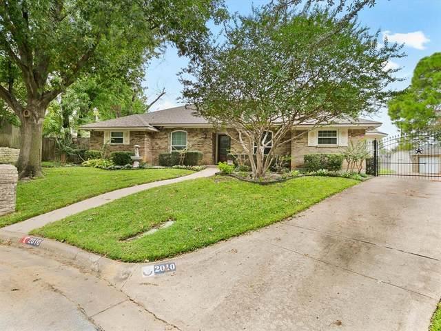 2010 Longbranch Court, Arlington, TX 76012 (MLS #14687387) :: HergGroup Dallas-Fort Worth