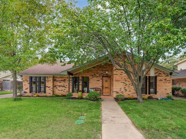 1100 Wentwood Drive, Irving, TX 75061 (MLS #14687429) :: Frankie Arthur Real Estate