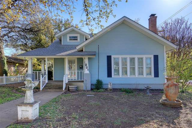 221 W Pearl Street, Granbury, TX 76048 (MLS #14687462) :: Lisa Birdsong Group   Compass
